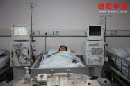 高考體檢被查出身患尿毒癥,43歲的爸爸急白了頭!